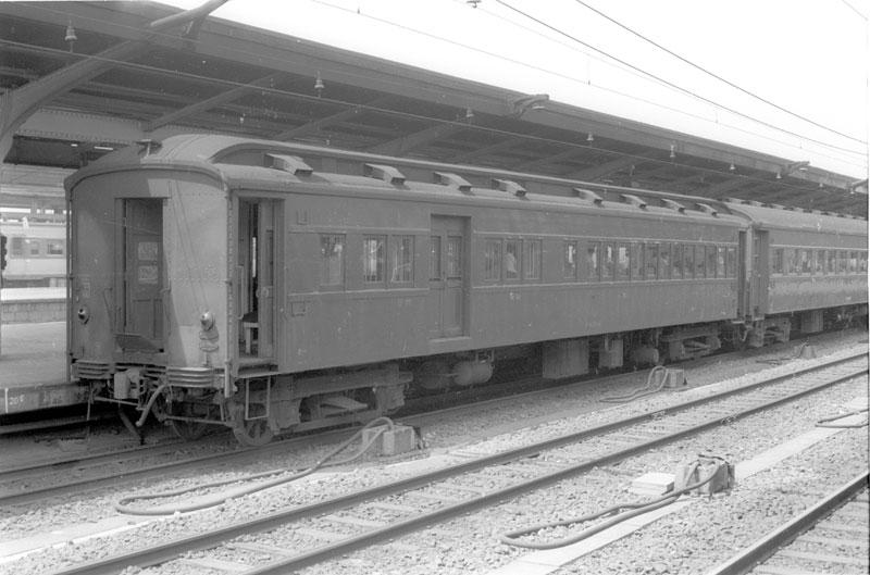 33 12 50 20 >> 客車のページ スハ32系編